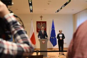 wiceminister Klimatu Sławomir Mazurek, Dyrektor Instytutu Ochrony Środowiska – Państwowego Instytutu Badawczego Krystian Szczepański
